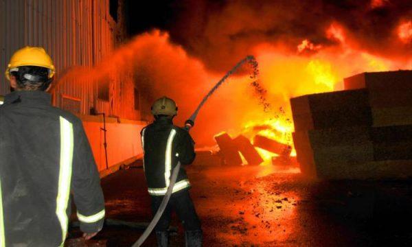 حريق ضخم فى منطقة مطار المثنى ببغداد