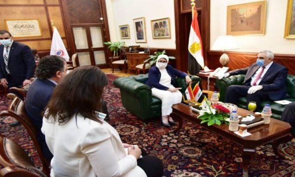 وزيرة الصحة ترسل مساعدات طبية للعراق لمكافحة كورونا