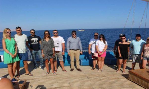 خالد العنانى يتابع الإجراءات الوقائية فى المراكب السياحية بشرم الشيخ