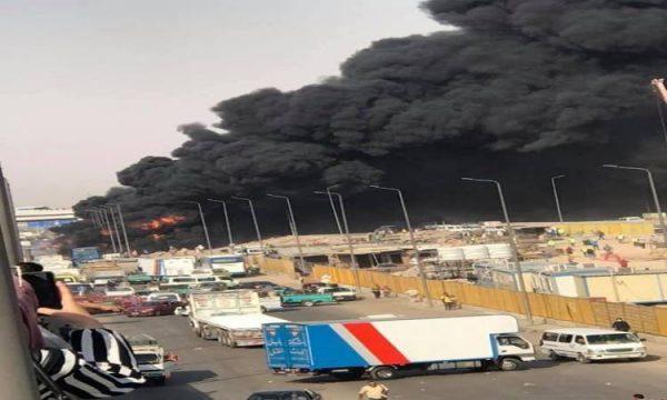 حريق هائل بماسورة مازوت في طريق مستطرد بمدينة السادات