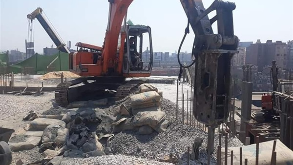 محافظة القاهرة تزيل أكبر برج سكني مخالف في «حي الشرابية»