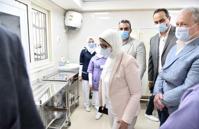 صور| وزيرة الصحة: تسجيل 800 ألف مواطن بمنظومة التأمين الصحي الشامل في الأقصر