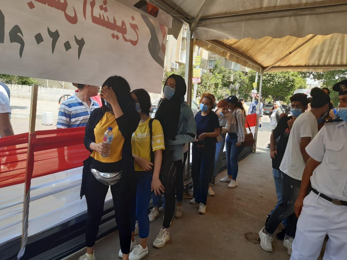 """""""قومى المرأة""""يتابع العملية الانتخابية ويؤكد حرص السيدات على المشاركة"""