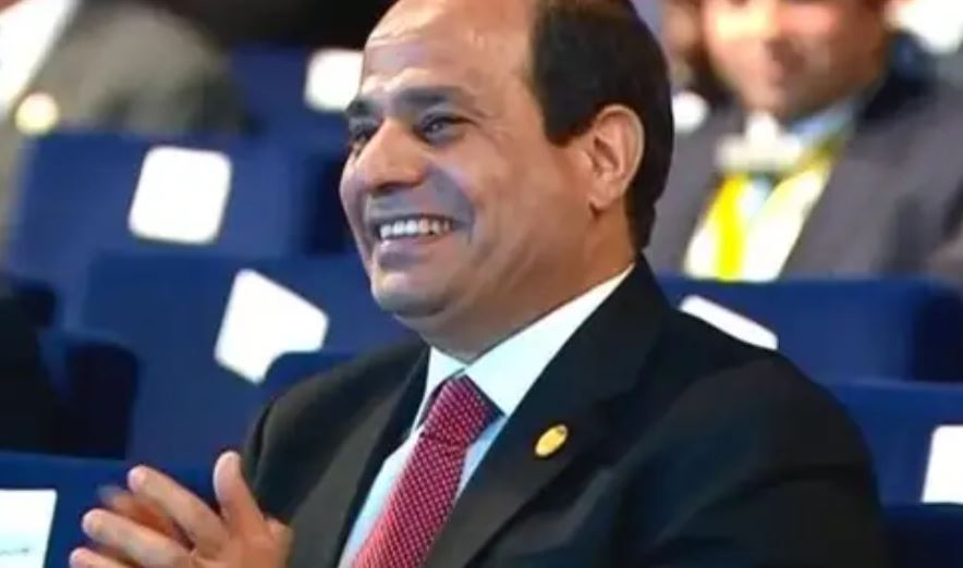 صور| المصريون يدعمون السيسي ضد أكاذيب الإخوان.. «شعب مصر معاك ياريس»