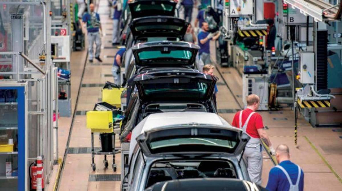 """""""كورونا"""" يهوى بصادرات السيارات الكهربائية في ألمانيا خلال النصف الأول من 2020"""