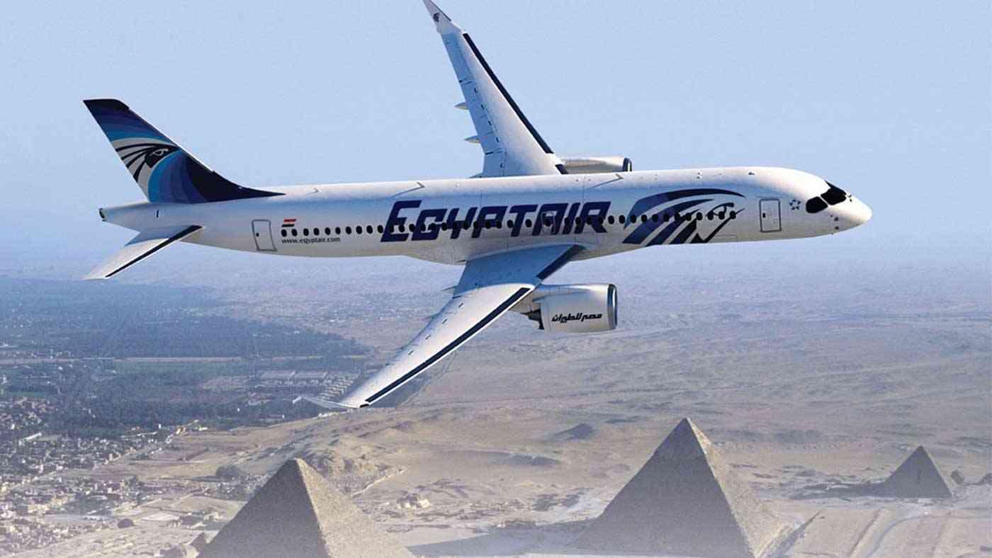 اليوم «مصر للطيران» تسيّر 68 رحلة لنقل ما يقرب من 6 آلاف راكب