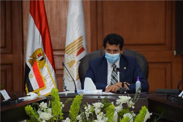 وزارة الرياضة توقف مجلس الزمالك مؤقتا وتحيل المخالفات المالية للنيابة