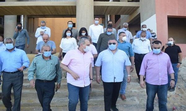 محافظ البحر الأحمر: افتتاح مستشفى رأس غارب الجديد قريبا