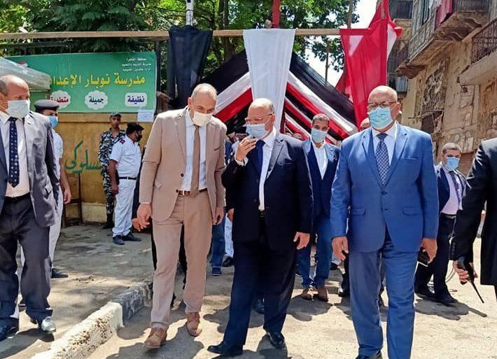 صور | محافظ القاهرة يتفقد المقرات الانتخابية للاطمئنان على جاهزية المقرات لإستقبال الناخبين