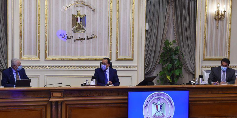 صور | رئيس الوزراء يتابع خطط بدء العام الدراسي الجديد في ظل جائحة «كورونا»