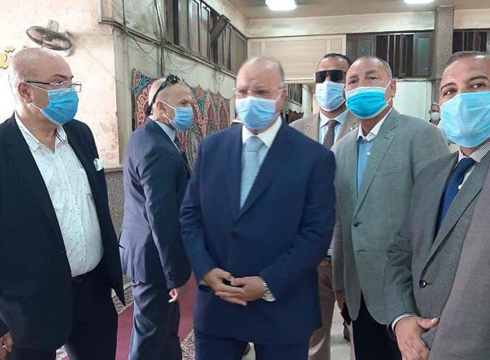 صور | محافظ القاهرة يتفقد لجان انتخابات مجلس الشيوخ في مدينة نصر