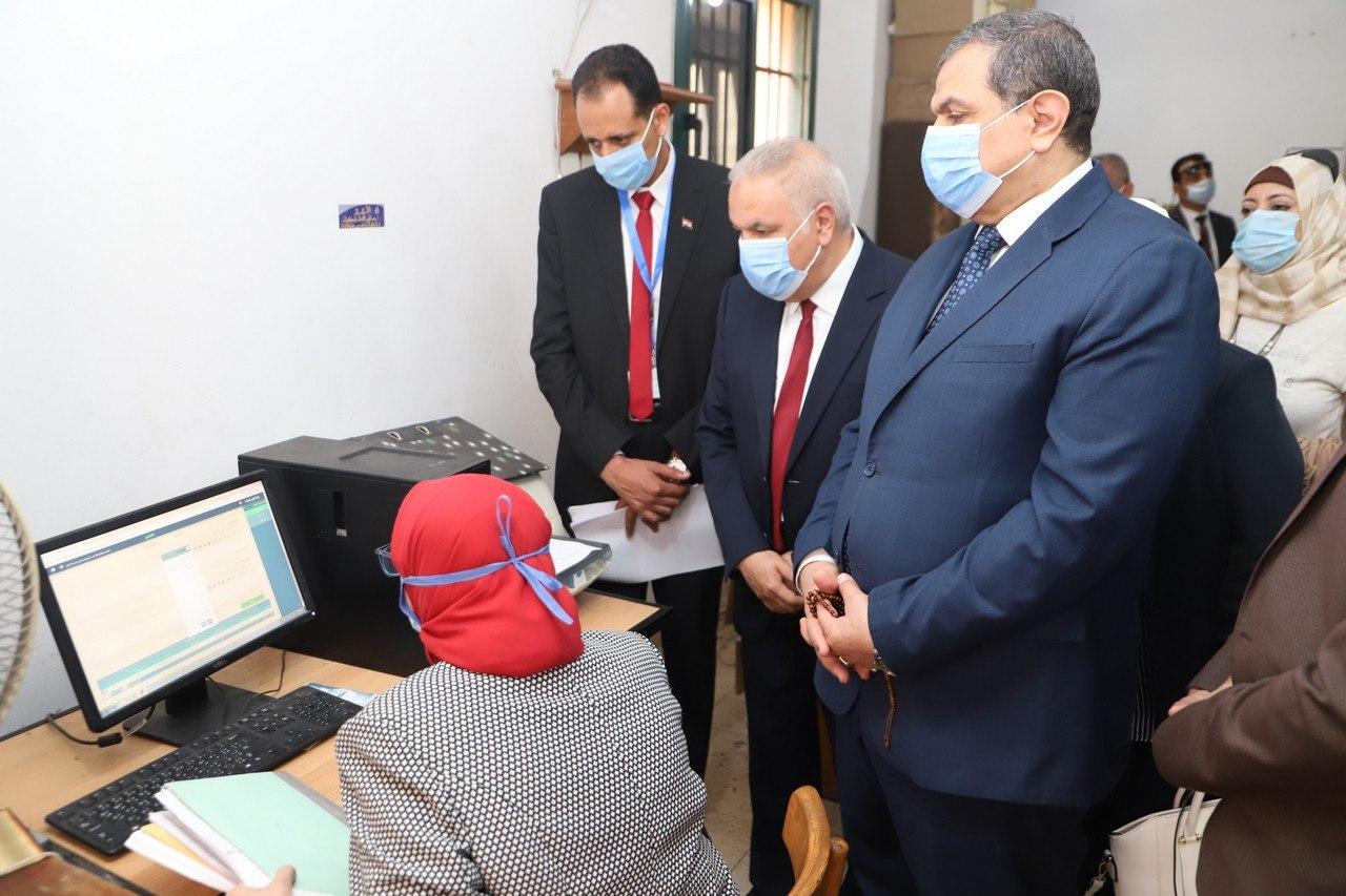صور | وزير القوى العاملة : تشغيل تجريبي للتحول من النظام الورقى للالكترونى بمديرية بالإسكندرية