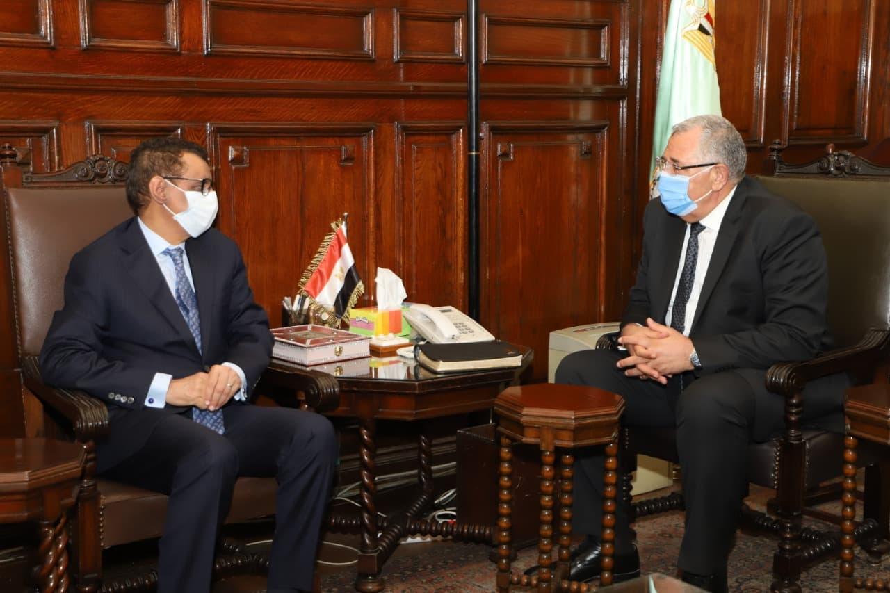وزير الزراعة يكرم الممثل الإقليمي للفاو بمناسبة انتهاء فترة عمله