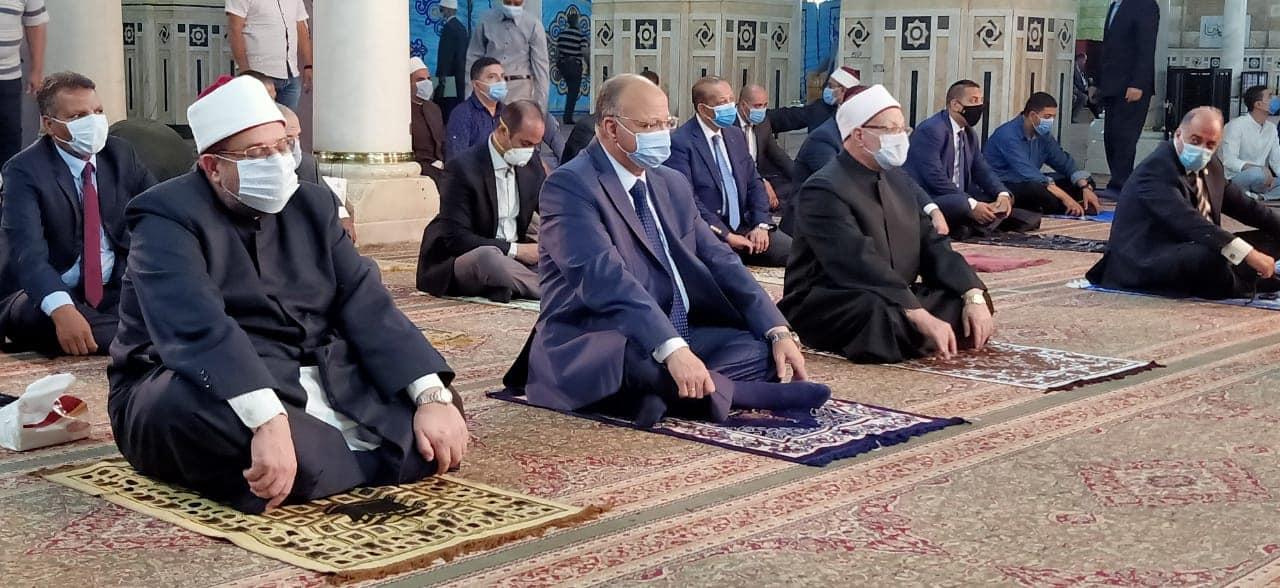 صور| محافظ القاهرة يشهد الاحتفال بالعام الهجرى بمسجد السيدة زينب