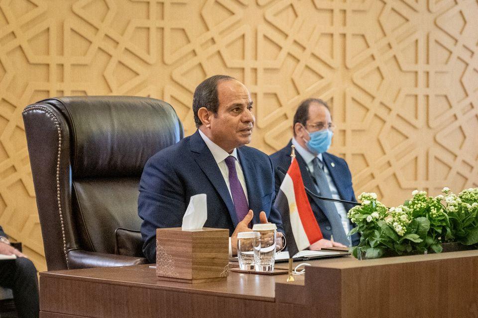 الرئيس السيسى يؤكد استعداد مصر لتقديم خبراتها بجميع المجالات للأردن والعراق