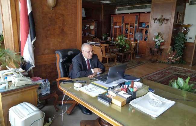 وزير الري يبحث مع قيادات الوزارة الموقف المائي ومعدلات تنفيذ المشروعات