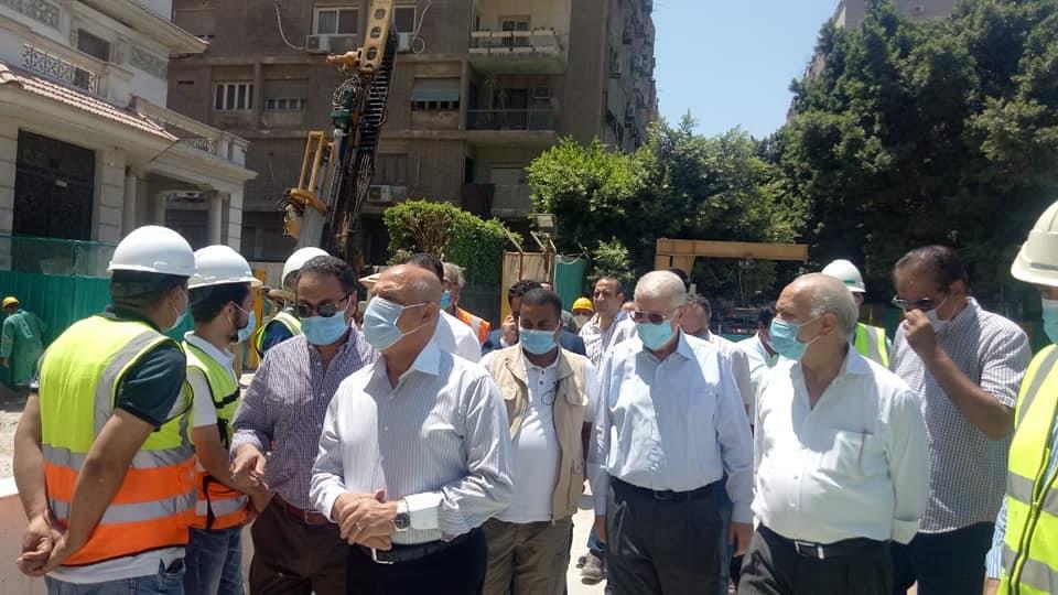 وزير النقل يتابع معالجة وإصلاح الركن المتضرر من عمارة الشربتلي