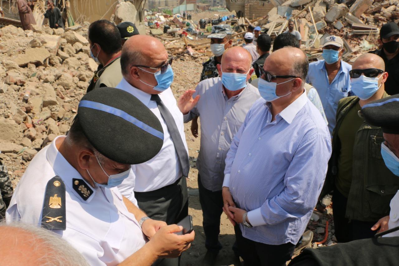محافظ القاهرة يتفقد أعمال إزالة منطقة شمال الحرفيين العشوائية بمنشأة ناصر
