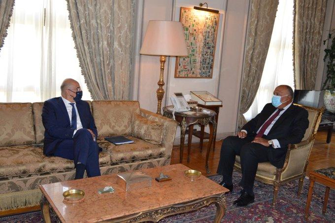 وزيرا خارجية مصر واليونان يوقعان اتفاقية ترسيم الحدود البحرية