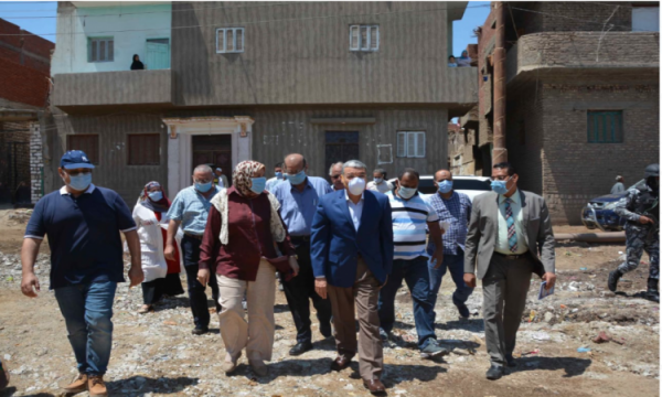 محافظ المنيا يتابع أعمال تنفيذ محطتين للصرف الصحى ببنى مزار