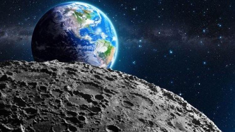العلماء يكتشفوا «الصدأ» على سطح القمر