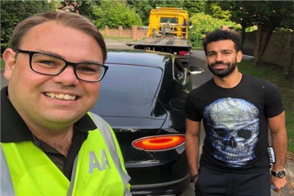 محمد صلاح يتعرض لحادث سيارة ويعود لمزله في شاحنة