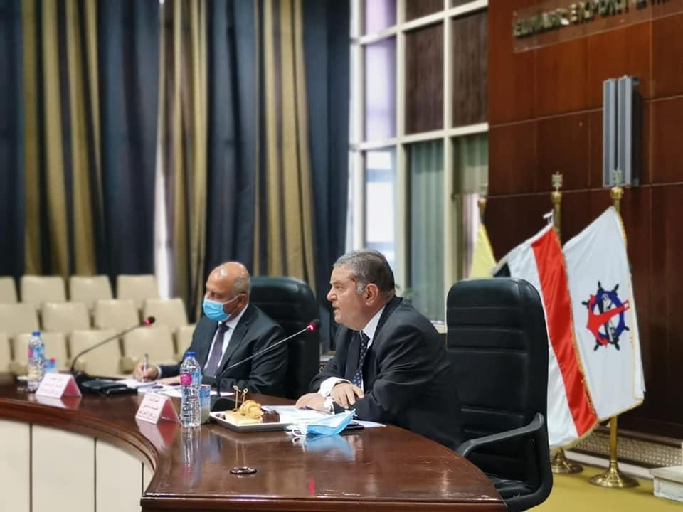 صور | وزيرا النقل وقطاع الأعمال يبحثان سبل تعزيز التجارة الخارجية
