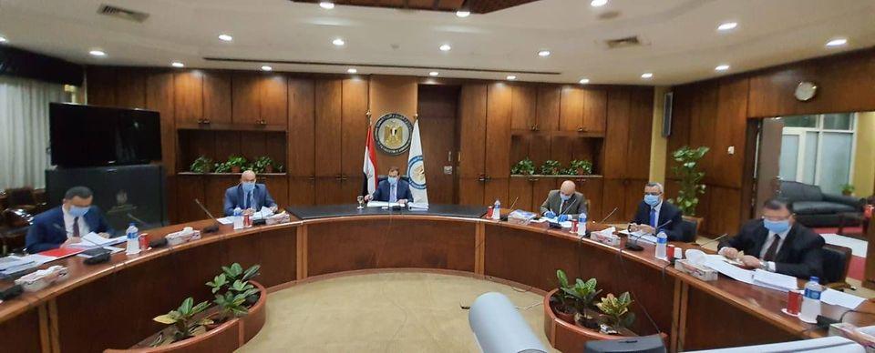 صور | وزير البترول : إضافة 7 مشروعات جديدة بالخطة القومية للبتروكيماويات