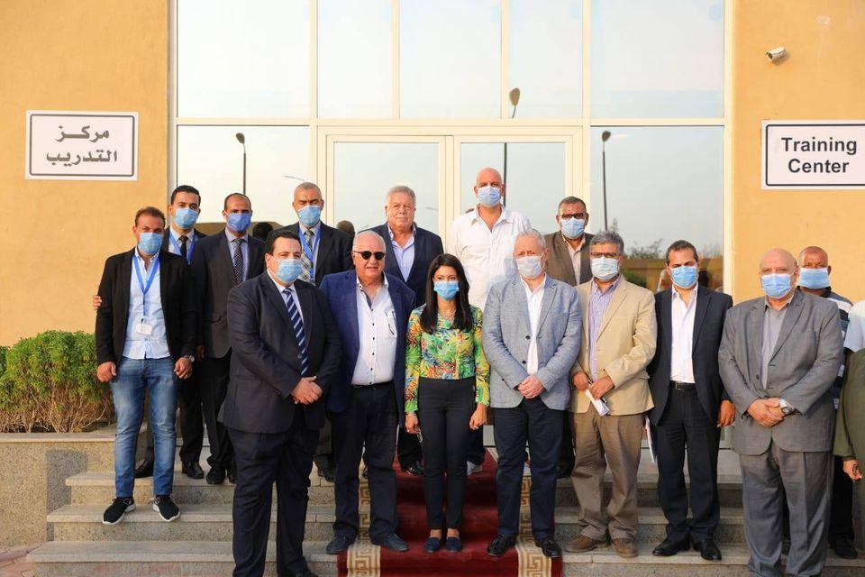 صور | وزيرا الزراعة والتعاون الدولي تتفقدا المشروعات الزراعية في الأقصر