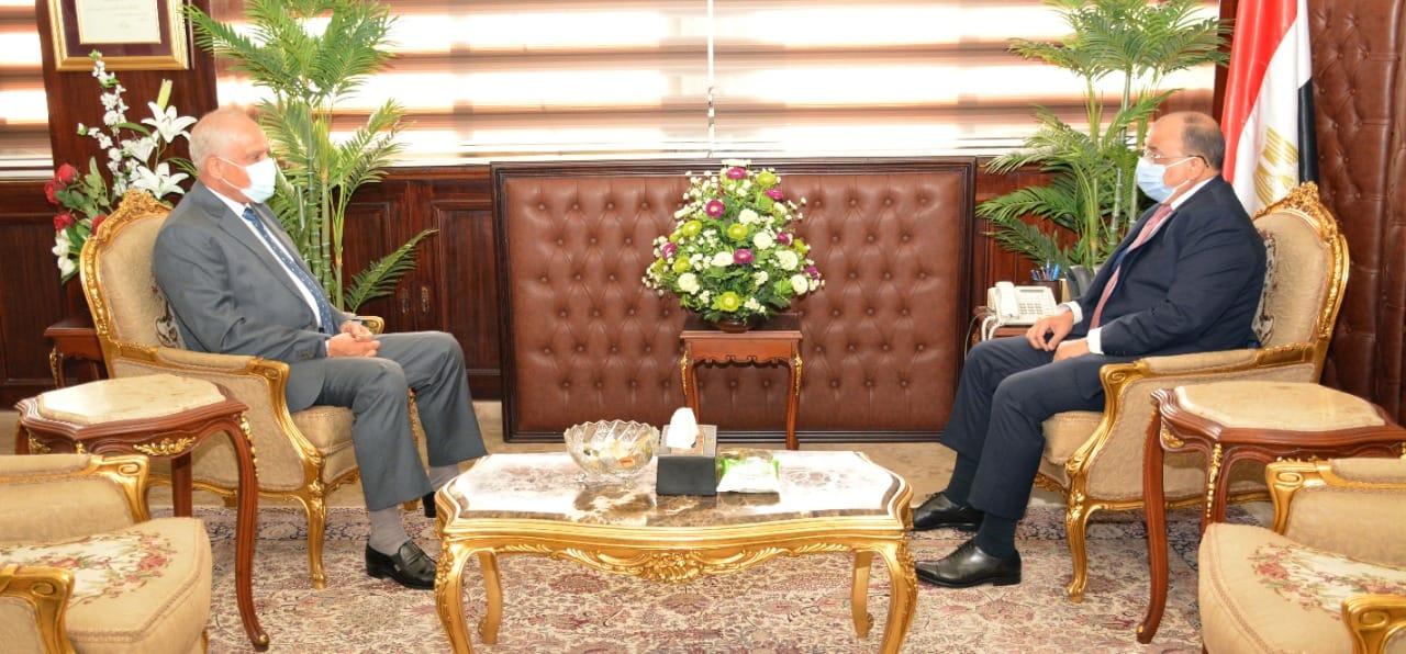 شعراوي يتابع مع محافظ الجيزة ملف التصالح بمخالفات البناء لتحسين مستوى الخدمات