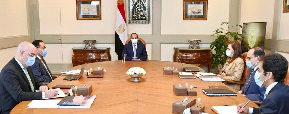 الرئيس السيسى يستعرض مشروعات تنمية الساحل الشمالى الغربى لمصر
