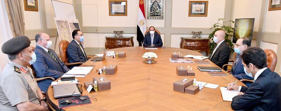 الرئيس السيسي يستعرض جهود تطوير المناطق السكنية العشوائية في القاهرة