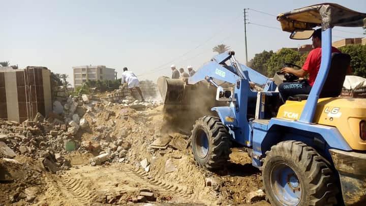 وزير الري : حريصون على إزالة أشكال جميع التعديات على المجاري المائية