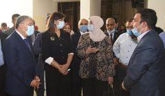 صور | وزيرة الهجرة ومحافظ المنيا يزوران المتحف الأتوني