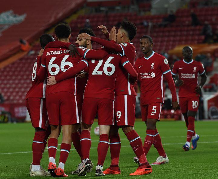 ليفربول يفوز على أرسنال بثلاثية في الدوري الانجليزي