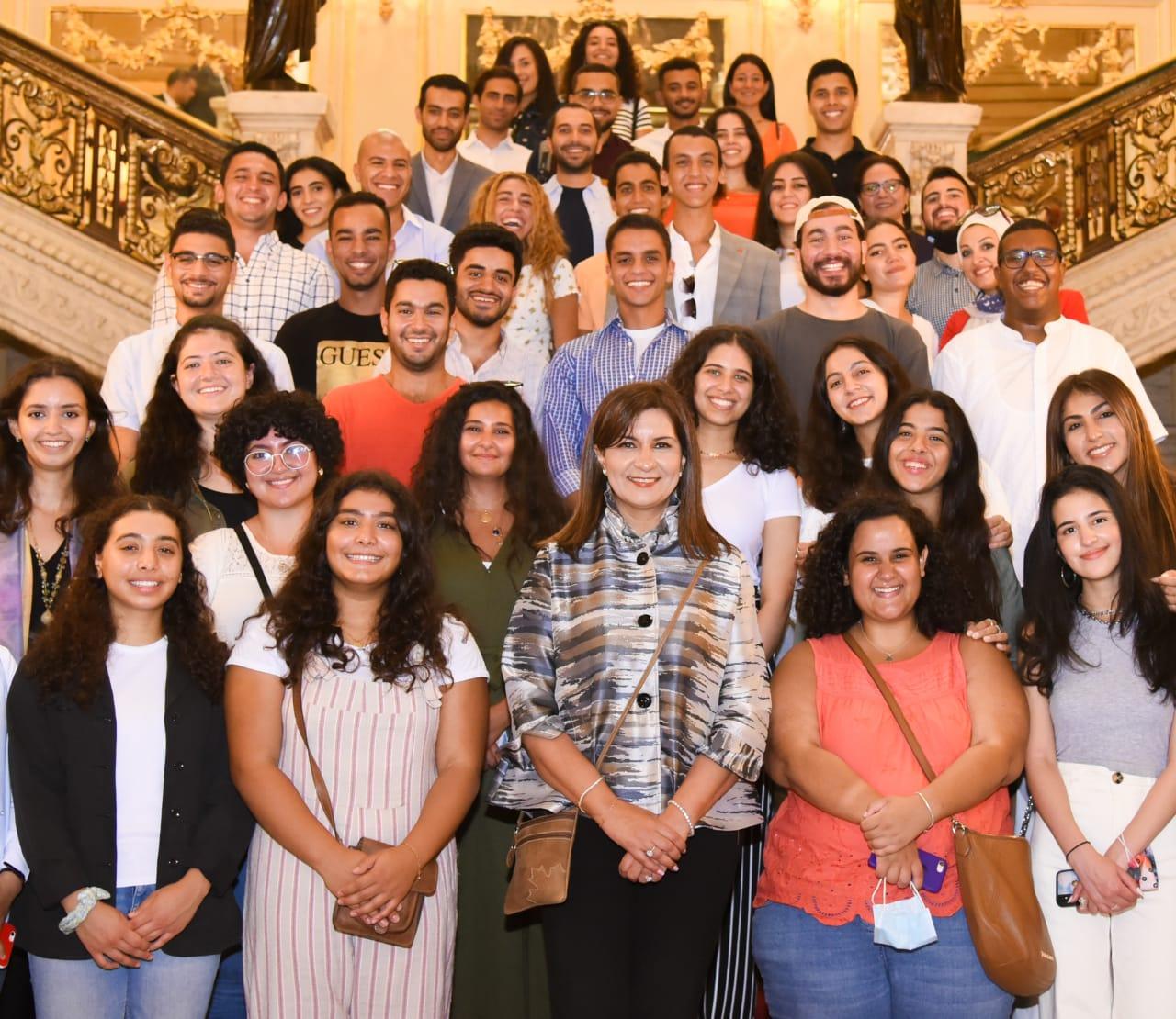 """صور   «الهجرة» تنظم زيارة لوفد """"شباب الدارسين بالخارج"""" إلى قصر عابدين"""