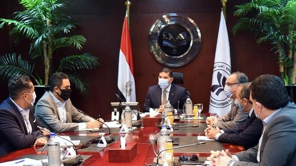الرئيس التنفيذي للهيئة العامة للاستثمار يلتقى أعضاء الجمعية المصرية لشباب الأعمال