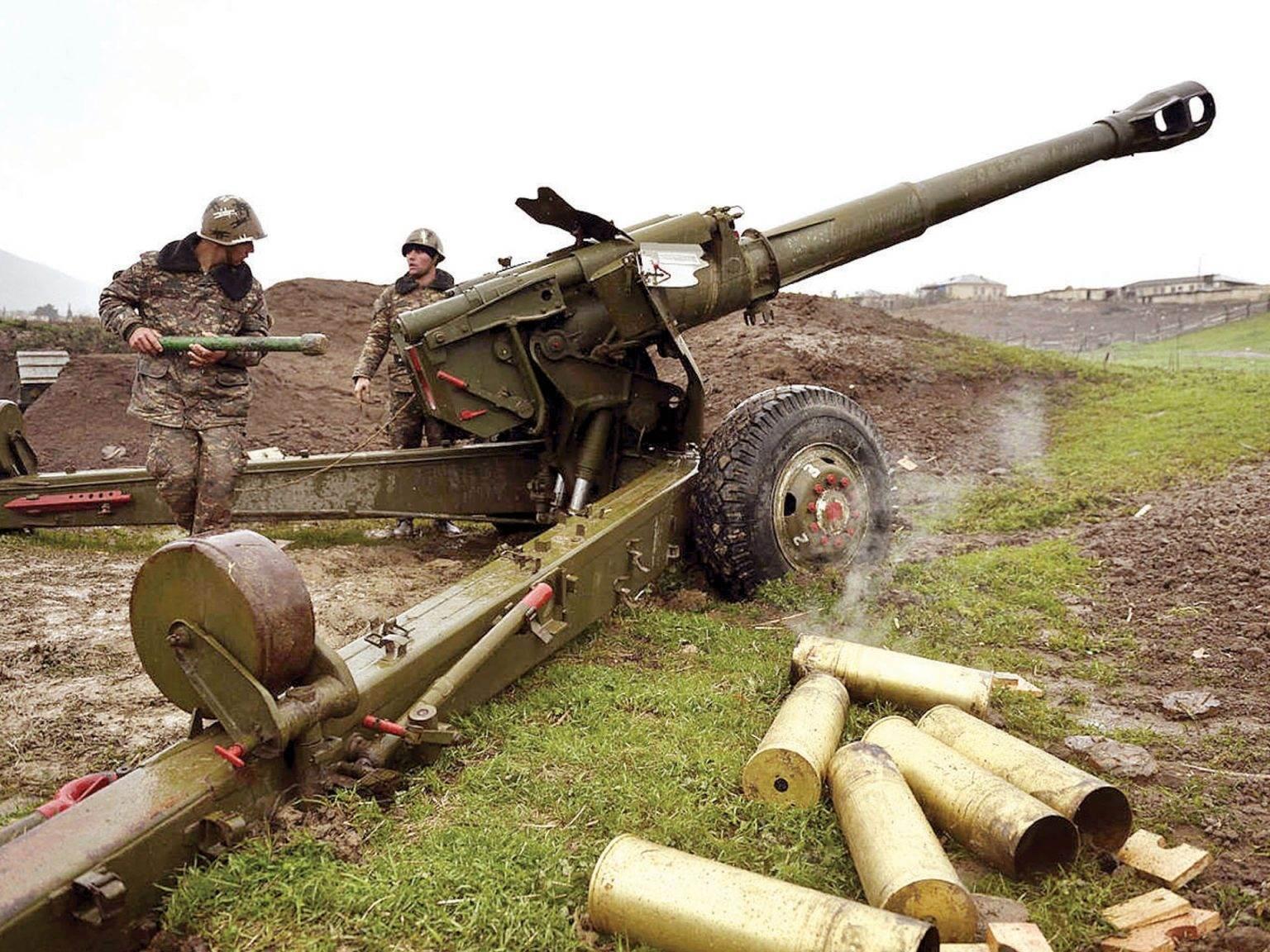 الجيش الأرمينى يقصف مواقع عسكرية ومناطق سكنية بأذربيجان وسقوط قتلى وجرحى
