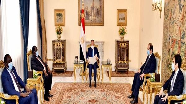 الرئيس السيسي يستقبل مبعوث «سلفاكير» ويتسلم دعوة لحضور مراسم توقيع السلام بجوبا