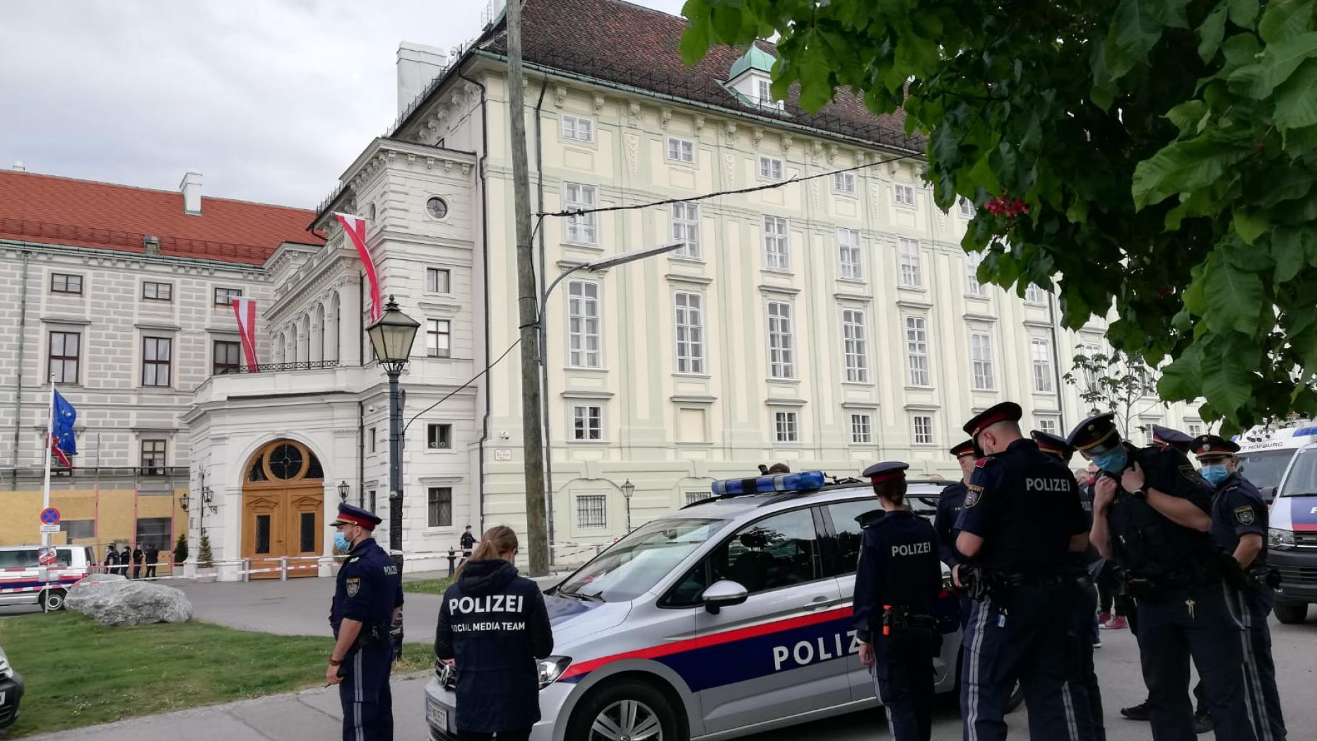 الداخلية النمساوية تعلن القبض على 47 مهربا للبشر فى إطار حملة أوروبية مشتركة