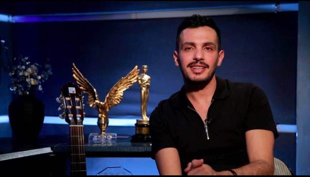 """الخميس عبر """"لايت شو"""".. أحمد إبراهيم يكشف طبيعة علاقته بأنغام"""