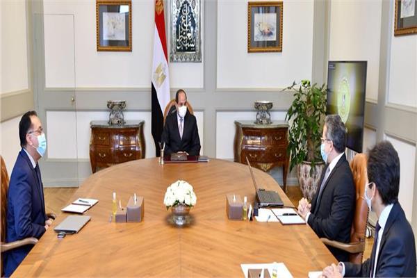الرئيس السيسي يوجه الحكومة بالحفاظ على العمالة بالقطاع السياحي وتثبيت أوضاعها