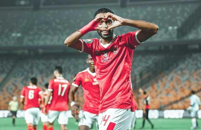 الأهلي يتخطى الوداد المغربي ويصل إلى النهائي الإفريقي
