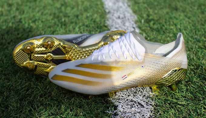 حذاء صلاح الجديد-2