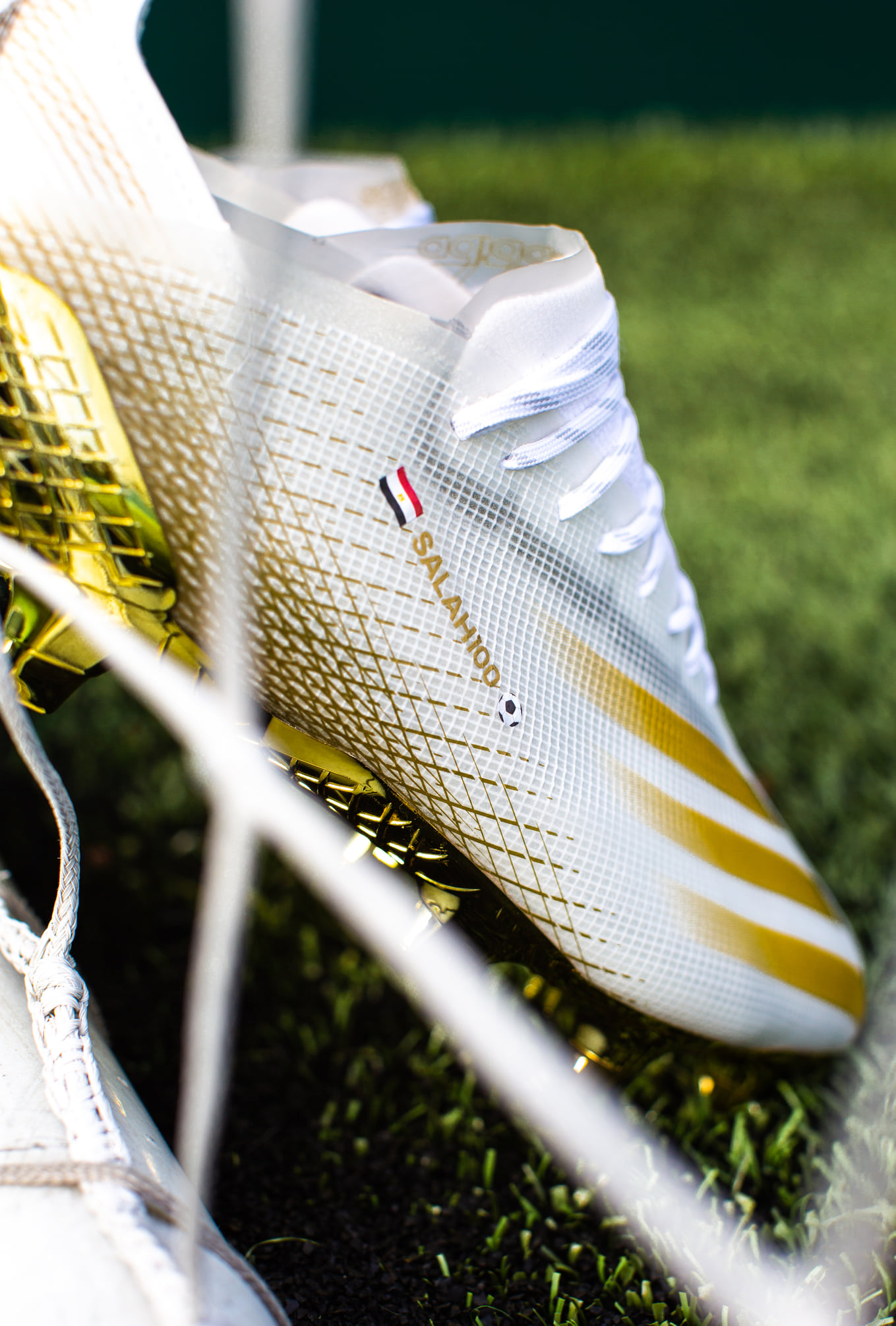 حذاء صلاح الجديد-5