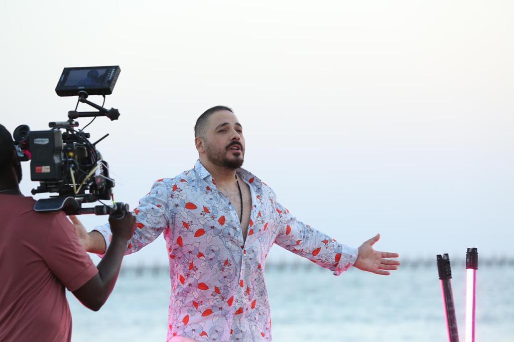 """مفاجأة ختام مهرجان الجونة.. عرض كليب رامى عياش.. """"دقى يا مزيكا"""" بمشاركة آل ساويرس مع النجوم"""