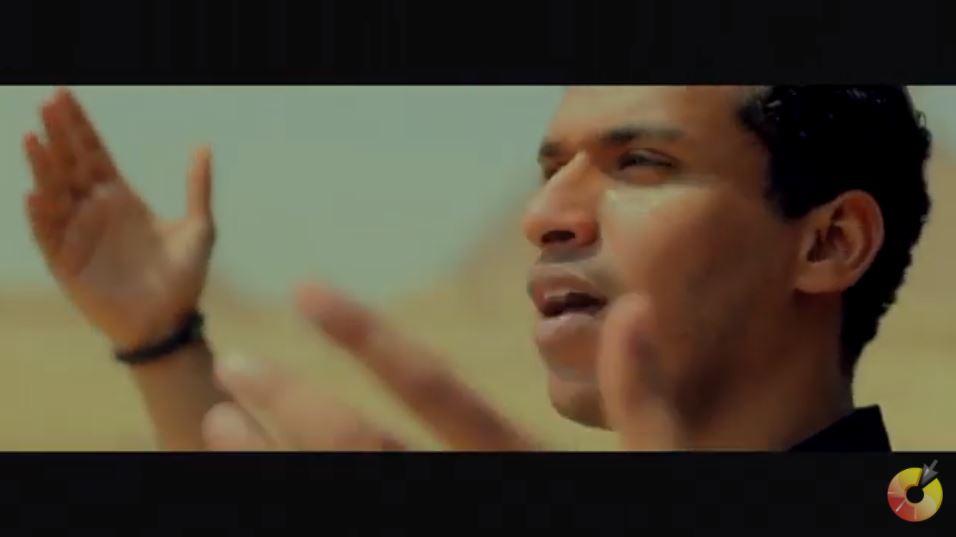 فيديو  ياسر القصراوي يهدي القيادة السياسية والقوات المسلحة والشعب المصري اغنية رمز الامان