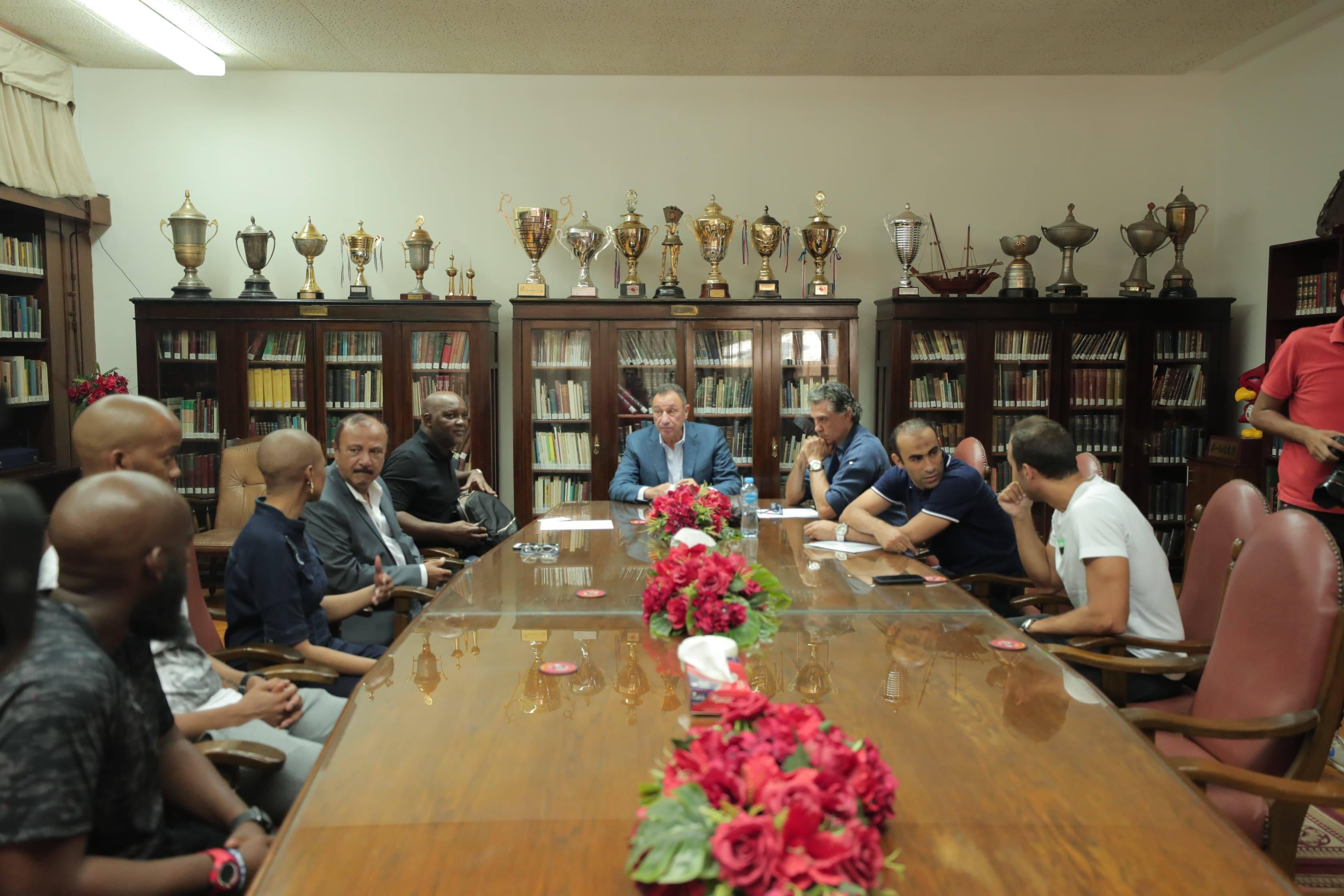 الخطيب يعقد جلسة مع موسيماني