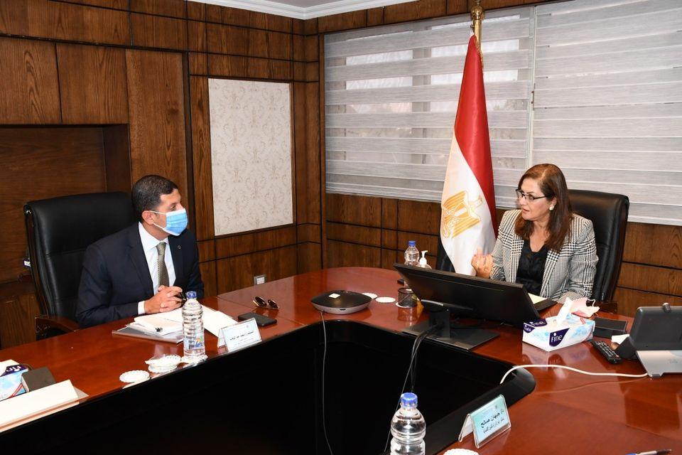 صور | وزيرة التخطيط تستعرض مع رئيس هيئة الاستثمار برنامج الإصلاحات الهيكلية