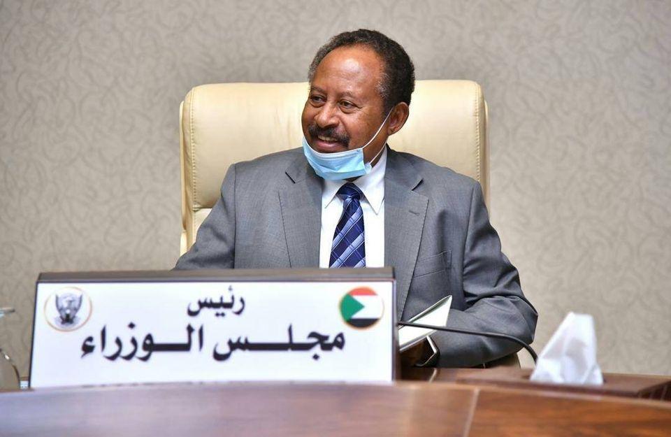 رئيس الوزراء السودانى يوجه بدراسة ومعالجة قضايا الأطباء